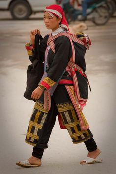 Black hmong / The Hmong are an Asian ethnic group from the mountainous regions of China, Vietnam, Laos, and Thailand /