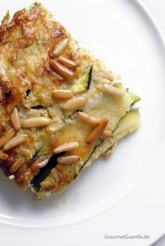 Eine Quiche ohne Boden? Ein cremiger Auflauf? Neee … für mich ist das eindeutig eine Lasagne – auch wenn das leckere Teil ganz ohne Nudeln...