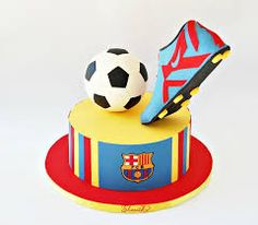 Soccer boot was made with gum paste. 9th Birthday Cake, Football Birthday, Birthday Cakes For Men, Cakes For Boys, Barcelona Cake, Barcelona Soccer, Fondant Cakes, Cupcake Cakes, 3d Cakes