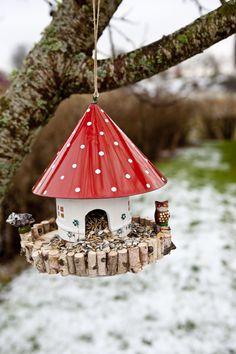 Hildas hem: God jul fåglarna  Mushroom Birdhouse