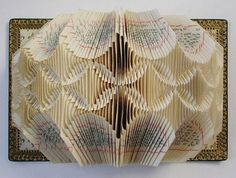 astonishing_book_sculptures_25.jpg