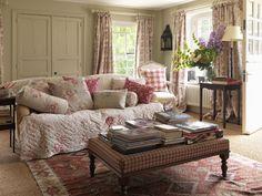 Lovely vintage style living room—Brook Cottage—lookbook shoot❣ cabbagesandroses.com