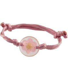► No la típica pulsera. Esta pulsera ingeniosa tiene una flor natural prensada en resina, con un listón de cola de rata. Es de color rosa, ajustable y hecha a mano. Las dimensiones indicadas son para el dije de resina redonda en sí. #recuerdos #xv #años