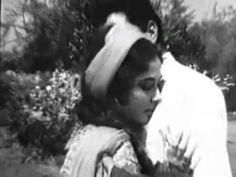 Keyboard Notes For Songs, 1970 Songs, Hindi Old Songs, Indian Music, Bollywood Songs, Beautiful Actresses, Youtube, Gold, Youtubers