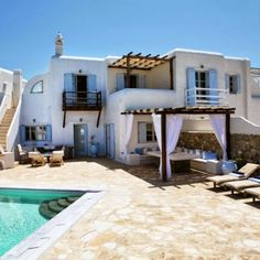 Greek Vacation Home on Mykonos Greek House, Adobe House, House Of Turquoise, Mediterranean Style, Mediterranean Architecture, Spanish Style, My Dream Home, Outdoor Spaces, Outdoor Living