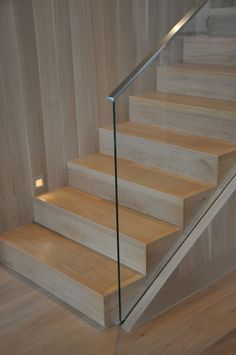 45 Luxury Glass Stairs Ideas - The function of any railing system is to add safety to a staircase while adding beauty to the home or business. A carefully designed stair railing wil. Modern Stair Railing, Stair Handrail, Staircase Railings, Modern Stairs, Railing Design, Staircase Design, Banisters, Metal Handrails, Staircases