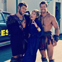 Photo by dgfeuerriegel - Behind the scenes pic shared by Dan of Liam, Ellen & him during WOTD filming Gannicus Spartacus, Spartacus Cast, Spartacus Tv Series, Spartacus Blood And Sand, Pana Hema Taylor, Gladiator Fights, Spartacus Workout, Cinema, Lucky Girl