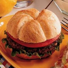 Need budget ground beef recipes? Get low budget ground beef recipes for your next meal or gathering from Taste of Home. Taste of Home has cheap ground beef recipes including chili, burgers, and casseroles. Burger Dogs, Good Burger, Hamburger Recipes, Ground Beef Recipes, Hamburger Ideas, Cereal Recipes, Casserole Recipes, Cornflake Recipes, Best Burger Recipe