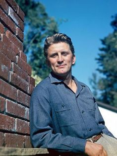 Kirk Douglas, one of the most famous American leading men of the century remembered for his dimpled chin, chiseled features, and virile Hollywood roles, has died at the age of his family said Wednesday. Hollywood Stars, Hollywood Men, Hollywood Icons, Vintage Hollywood, Hollywood Glamour, Classic Hollywood, Kirk Douglas, Classic Movie Stars, Classic Films