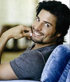 Chayanne - Tu Boca: https://www.youtube.com/watch?v=HvwySaj2WD0