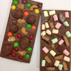 Left or right or both?! #choccy #treats #eeeeeats #foodporn #dessert #sweettooth #goodfood #aussie #instagood #picoftheday #nom
