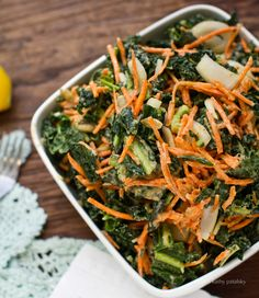 raw kale salad with carrots & avocado & a sweet tahini dressing (vegan) Kale Salad Recipes, Raw Food Recipes, Healthy Recipes, Kale Salads, Sauerkraut, Healthy Salads, Healthy Eating, Healthy Cooking, Healthy Foods