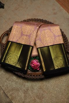 Pattu Sarees Wedding, Wedding Saree Blouse, Wedding Silk Saree, Kanjivaram Sarees Silk, Indian Silk Sarees, Pure Silk Sarees, Gold Silk Saree, Pink Saree, Kanjipuram Saree