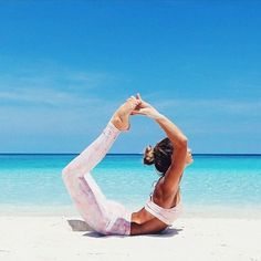 Yoga is a sort of exercise. Yoga assists one with controlling various aspects of the body and mind. Yoga helps you to take control of your Central Nervous System Pranayama, Yoga Inspiration, Fitness Inspiration, Beach Yoga Girl, Yoga Girls, Goddess Bras, Ashtanga Yoga, Vinyasa Yoga, Iyengar Yoga