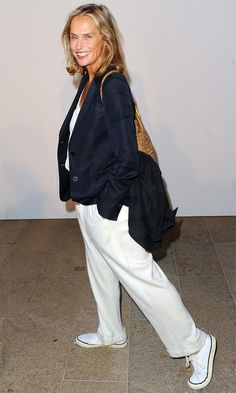 One of my style icons: Lauren Hutton. Hope I look as effortlessly cool and stylish when I'm her age. Who says getting older means being matronly and wearing Damart?