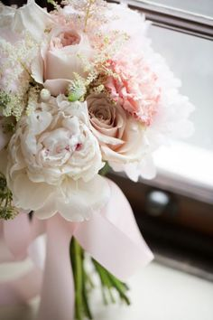 Scegli un bouquet da sposa di peonie 2017: talmente bello che non vorrai 'lanciarlo' Image: 16