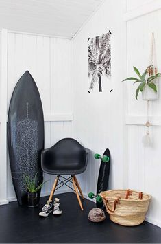 8 Interiors With California Cool Style Surf's Up: 8 Interiors With Cali. - 8 Interiors With California Cool Style Surf's Up: 8 Interiors With California Cool Style - Decoration Surf, Surf Decor, Surf Style Decor, Surfboard Decor, Decoration Inspiration, Interior Inspiration, Decor Ideas, Surf Style Home, Deco Surf