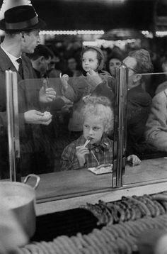Henri Cartier-Bresson - Munich. Oktoberfest. 1961.