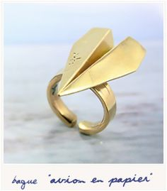 Paper airplane ring