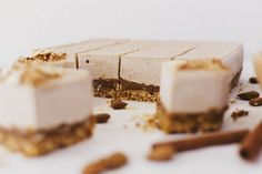 """A Vegan and Healthy Roasted Almond & Salted Caramel Easter """"Cheesecake"""""""
