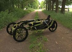 SEON Trike Concept by Luis Alberto Cordoba Dorantes is a small as well as efficient concept transportation designed for urban environments. Elio Motors, Rando Velo, Three Wheel Bicycle, Velo Design, Reverse Trike, Cruiser Bicycle, Bike Style, Pedal Cars, Electric Bicycle