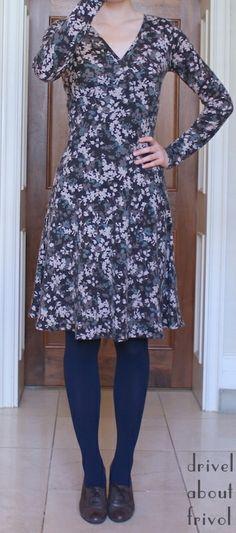 #mmmay14 drivel about frivol: Sewaholic Renfrew tee ---> dress mod