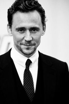 #TomHiddleston   and the look of seduction :)