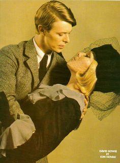 David Bowie e Kim Novak