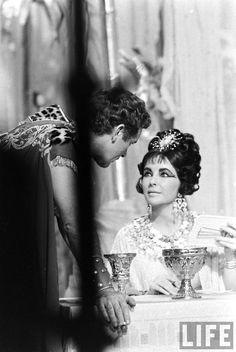 Elizabeth Taylor & Richard Burton in Cleopatra (1963)