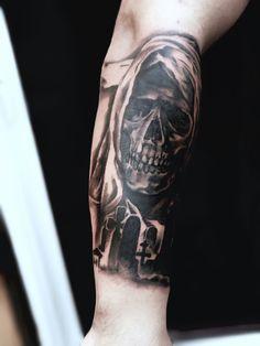 Tatouage avant-bras faucheuse sinistre | Tattoo | Pinterest | Tatouage, Tatouage mort et ...