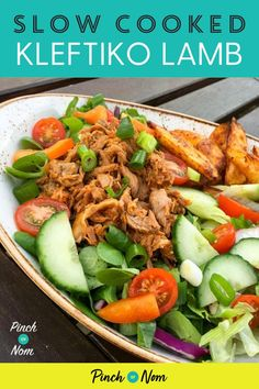 Slow Cooked Kleftiko Lamb Pinch Of Nom Healthy Salad Recipes, Lunch Recipes, Easy Dinner Recipes, Real Food Recipes, Diet Recipes, Perfect Salad Recipe, Slimming Recipes, Nutritious Meals, Us Foods