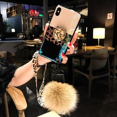 Leopard Airbag Bracket Case with Plush Ball For iPhone Cute Phone Cases, Mobile Phone Cases, Phone Covers, Iphone Cases, Modelos Iphone, Floral Iphone Case, Accessoires Iphone, Phone Gadgets, Iphone Accessories