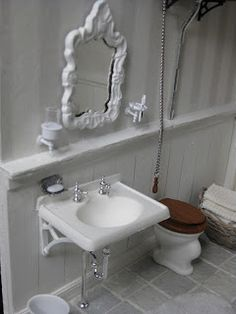 Details: Soap, wall mounted cup and tootbrush holder. miniatyrmama: The Arthur House in Progress...