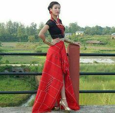 Naga traditional wear @fashion_naga Ethnic Design, Ethnic Style, Indian Ethnic, India Fashion, Ethnic Fashion, Modern Fashion, Northeast India, Fashion Models, Fashion Outfits