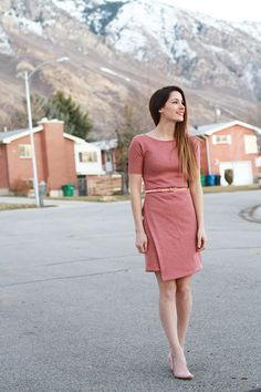 DIY asymmetrical knit sheath dress // who wants to make this for me??