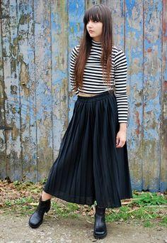 Vintage Black Pleated Midi Culottes #70s #90s #culottes #aw15