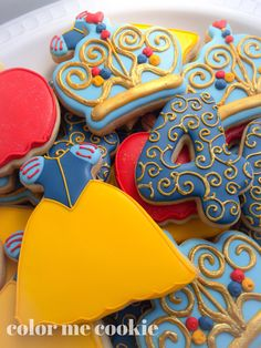 This listing is for one dozen Snow White themed sugar cookies. Royal Icing Cookies, Sugar Cookies, White Party Foods, 7th Birthday Party Ideas, 3rd Birthday, Dessert Decoration, Dessert Table, Princess Cookies, Snow White Birthday