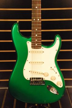 all original 1965 fender stratocaster pre cbs green pickguard candy apple red guitar. Black Bedroom Furniture Sets. Home Design Ideas