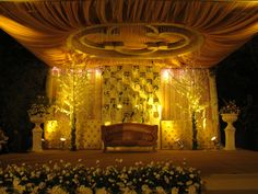 wedding venue Wedding Venues, Chandelier, Ceiling Lights, Lighting, Home Decor, Wedding Reception Venues, Wedding Places, Candelabra, Decoration Home