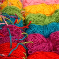 Color Combo Generator for granny squares. WoW!