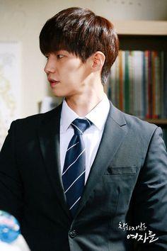 Song Jae Rim in Unkind Women Inspiring Generation, Song Jae Rim, Kim So Eun, Yoo Seung Ho, Cute Korean Boys, We Get Married, Korean Actors, Korean Actresses, Japanese Men