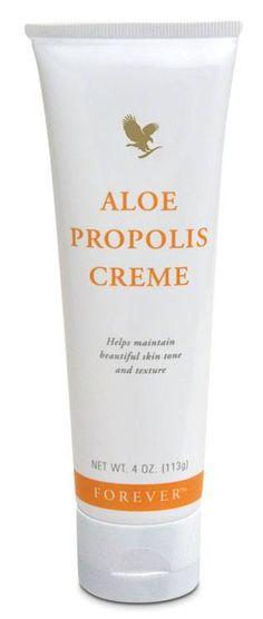 Peau grasse - Acné L'acné est une maladie du follicule pilosébacé qui touche en France environ 15 millions de personnes, majoritairement des adolescents, mais aussi près de 20% des femmes adultes. Le fait que vous ayez une peau grasse ou que vous souffriez...