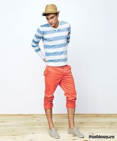 liking this look! I have been into rolling up the pant lately I dont know where is comes from; just decided to do it one day?!