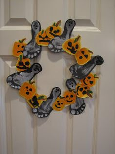 Ramblings of a Crazy Woman: Halloween Hand and Foot Print Wreath