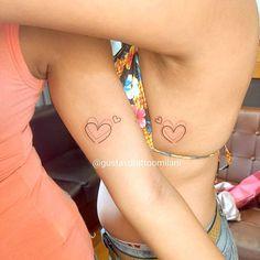 Foto Tatuagem Pequenas 169 Cousin Tattoos, Mommy Tattoos, Up Tattoos, Tattoos For Daughters, Friend Tattoos, Mini Tattoos, Small Tattoos, Tattoos For Women, Tattos