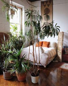 Bohemian Bedrooms, Boho Bedroom Decor, Trendy Bedroom, Cozy Bedroom, Bedroom Themes, Bedroom Inspo, Modern Bedroom, Bedroom Ideas, Bohemian Decor