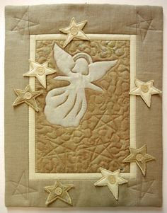 Ulla's Quilt World: Angel quilt wall hanging  | http://quiltworld2.blogspot.fi/2011/11/angel-quilt-wall-hanging.html