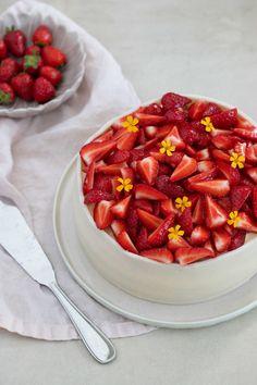Fruit Salad, Waffles, Cheesecake, Strawberry, Breakfast, Sweet, Recipes, Dessert, Morning Coffee