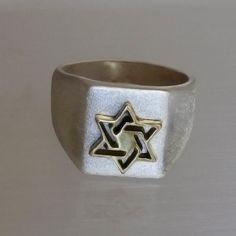 Anel homem prata com estrela de ouro de navio David.Free por ArtleahGifts