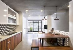 Image 6 of 26 from gallery of Q10 House / Studio8 Vietnam. Photograph by LumKa Photography